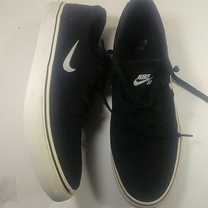 Nike SB Clutch 729825-001 Men's 8.5 Skate Shoes 🔥